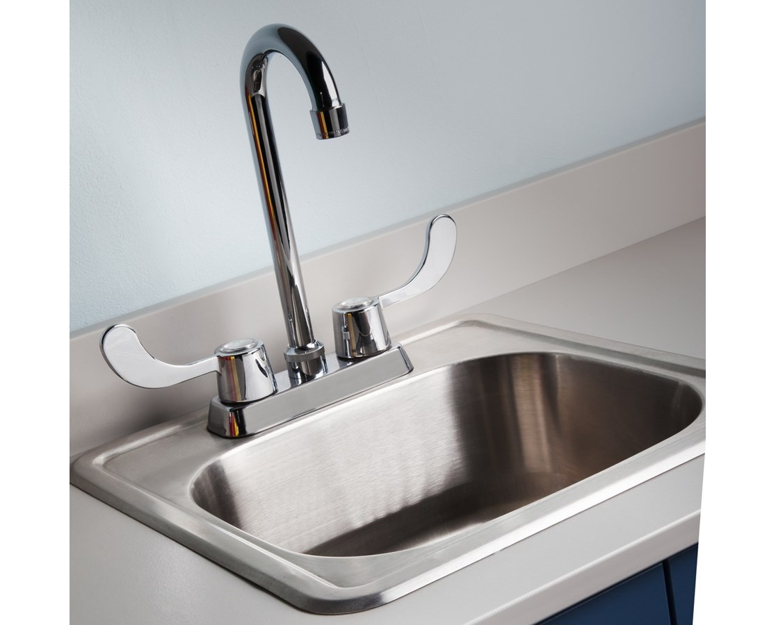 Sink with Faucet (wing handles) CLI022