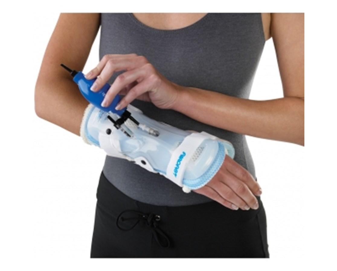 Stabilair™ Wrist Brace DJO05FML-